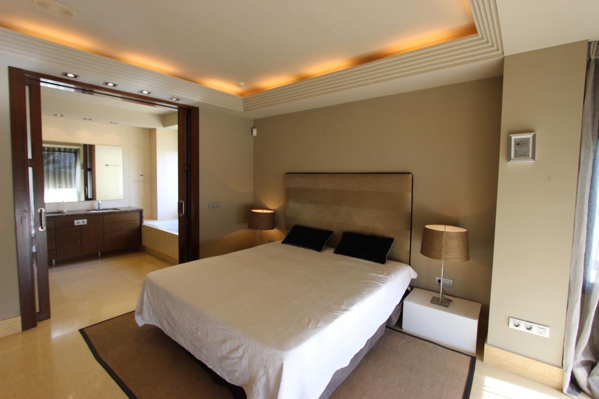 Apartamento en Venta en Nueva Andalucía – R3744862