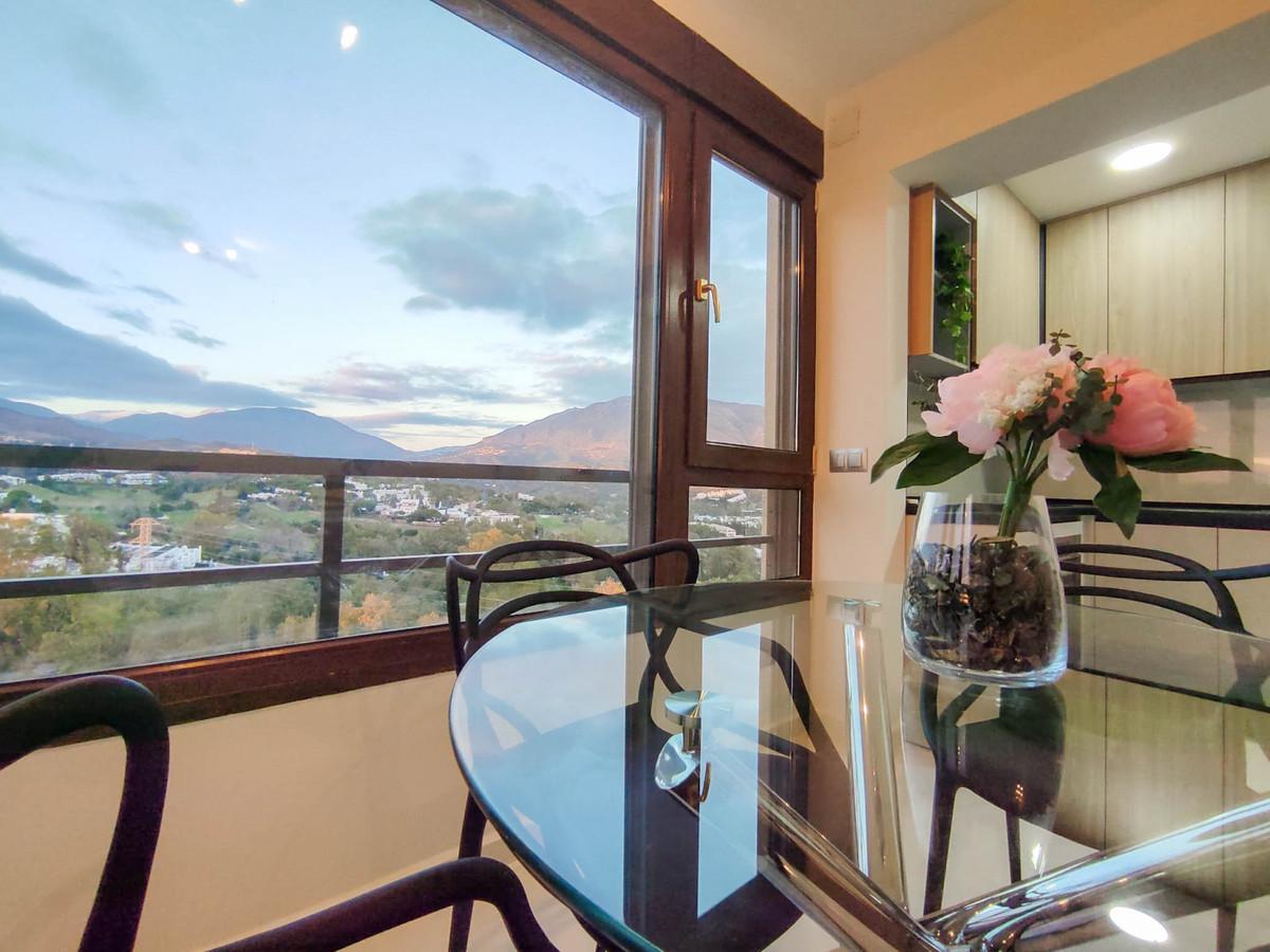 Marbella Banus Apartamento en Venta en Nueva Andalucía – R3640949