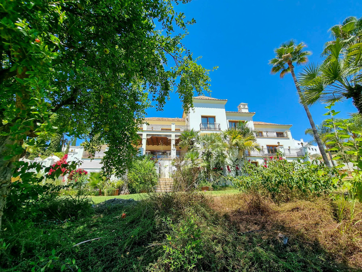 Luxury mediterrenean palace with 15 bedrooms, contains of Main House, Guesthouse, Staff House, Locat,Spain