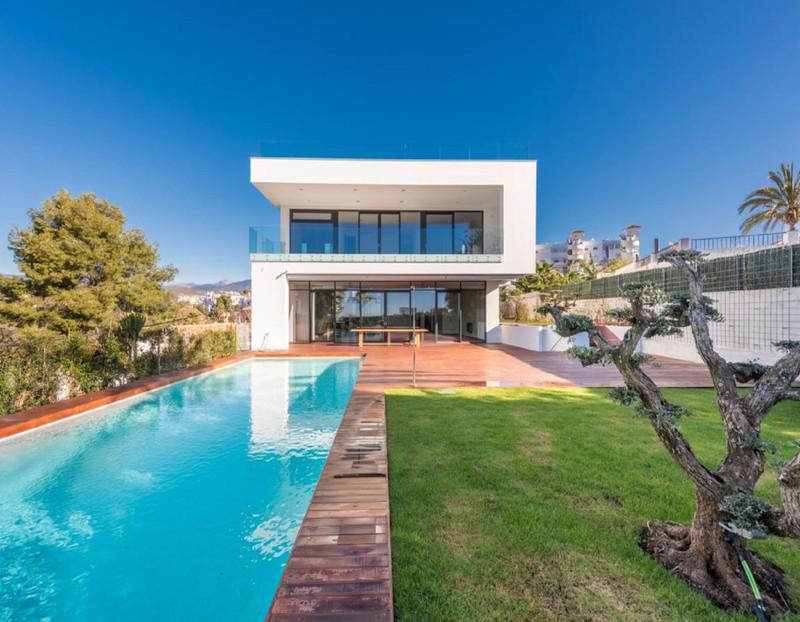 Villas en venta en Puerto Banus 4