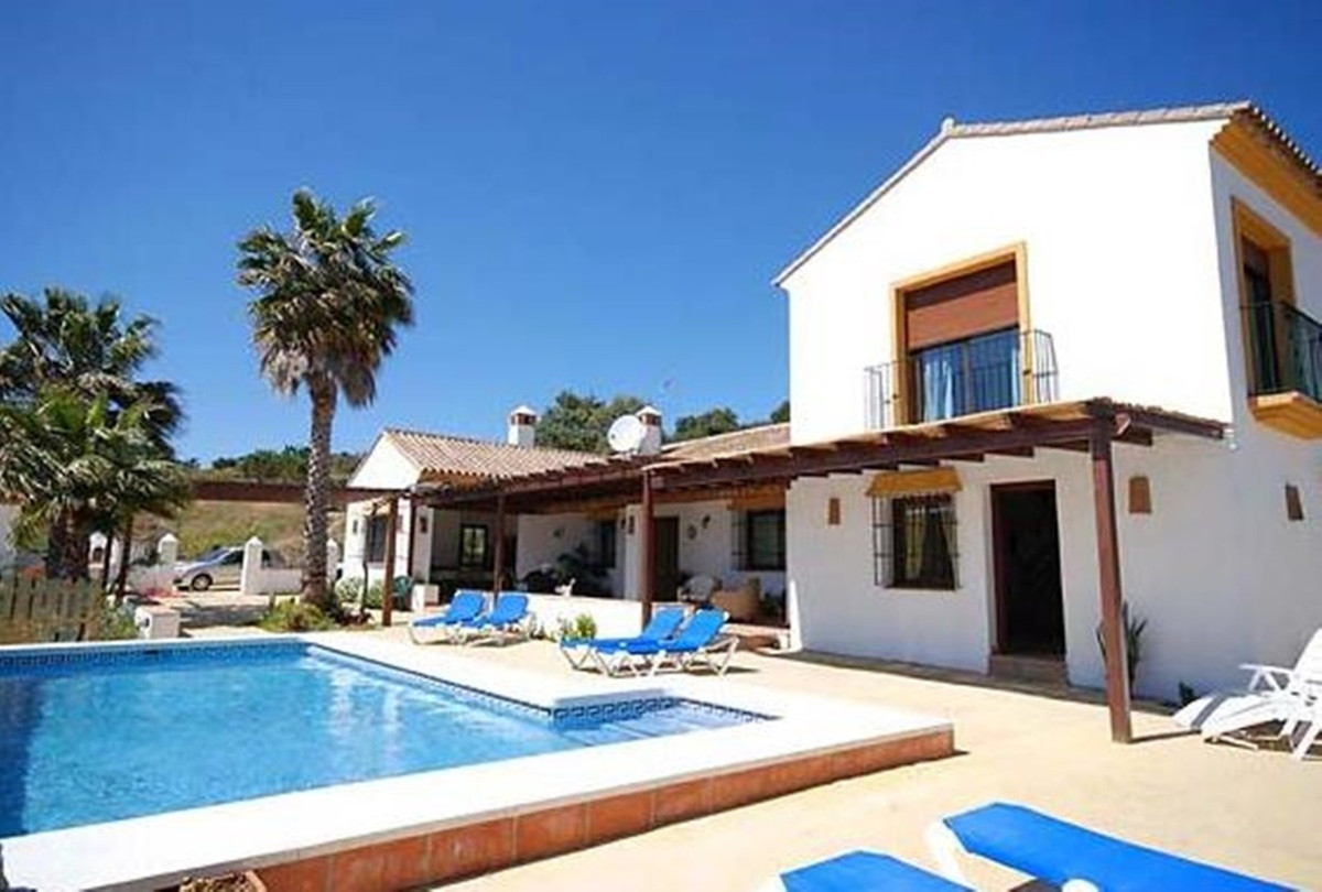 A newly built traditional Spanish Finca located in the countryside yet not far from the beaches of LSpain