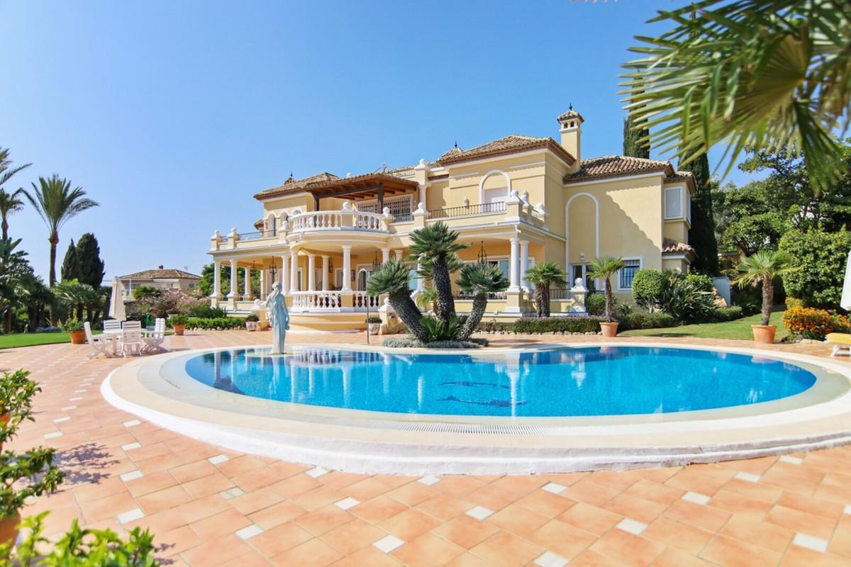Marbella Banus Villa – Chalet en Venta en Benahavís – R3542098