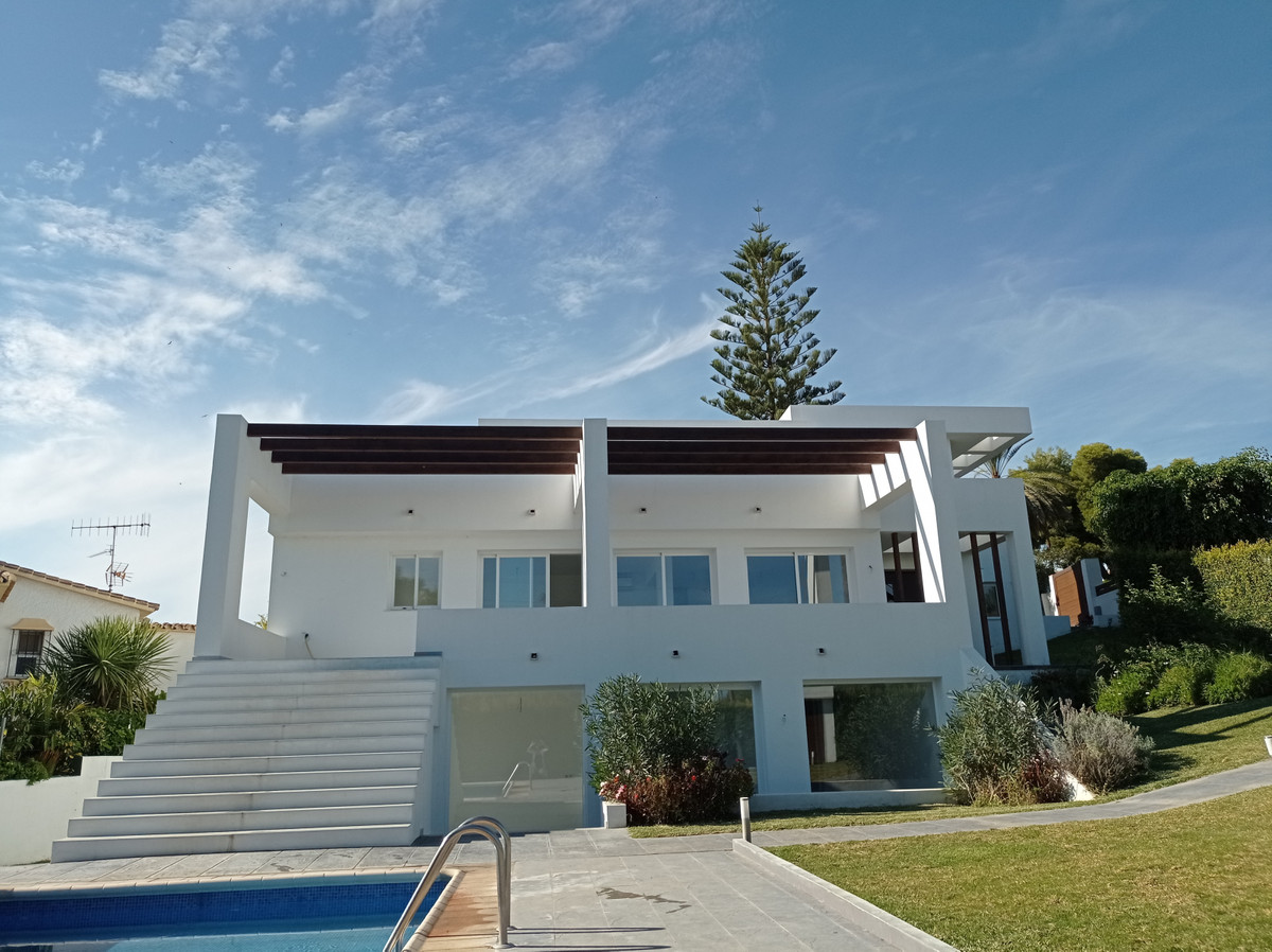 Great recently renovated villa located  in Nueva Andalucia, Marbella, with nice  panoramic sea views,Spain