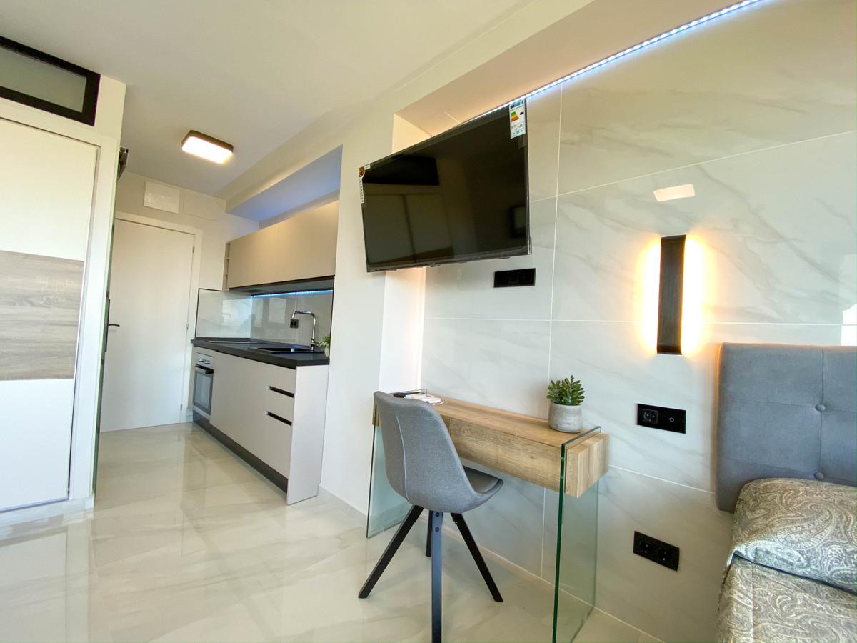Apartamento en Venta en Nueva Andalucía – R3859432