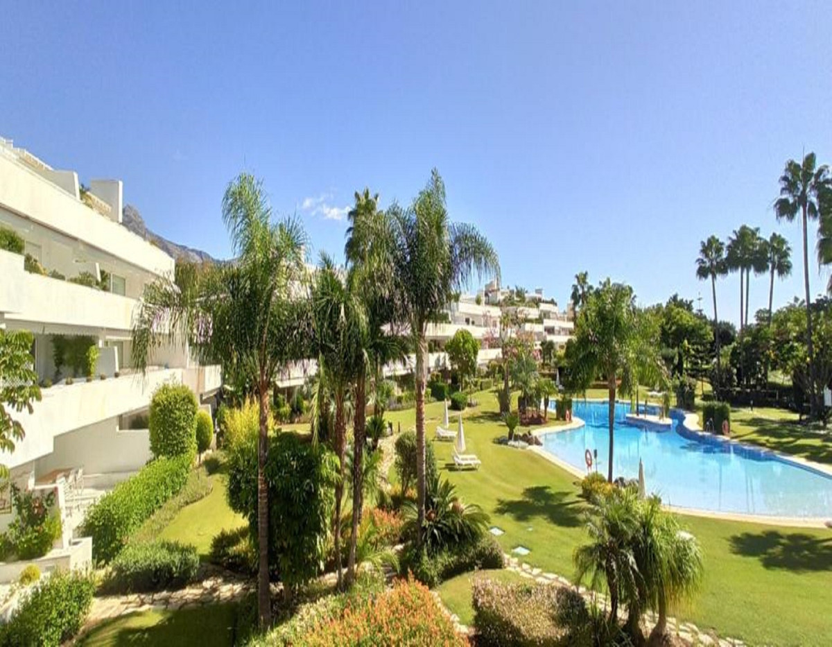 Los Granados Golf is one of the most poplular urbanisations in Nueva Andalucia. Situated by Las Bris,Spain