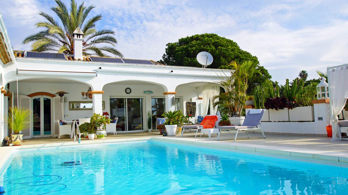 Villa - Detached ( R3398122) 0