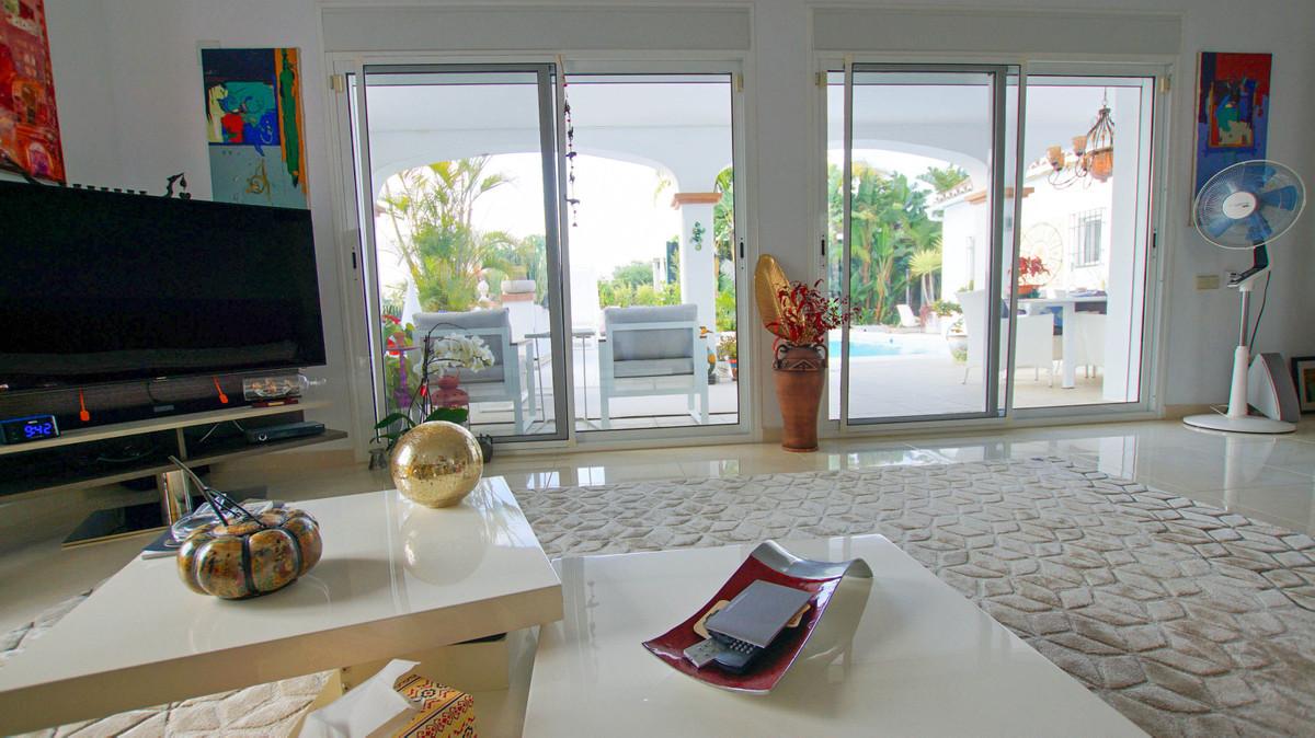 Villa - Detached ( R3398122) 15