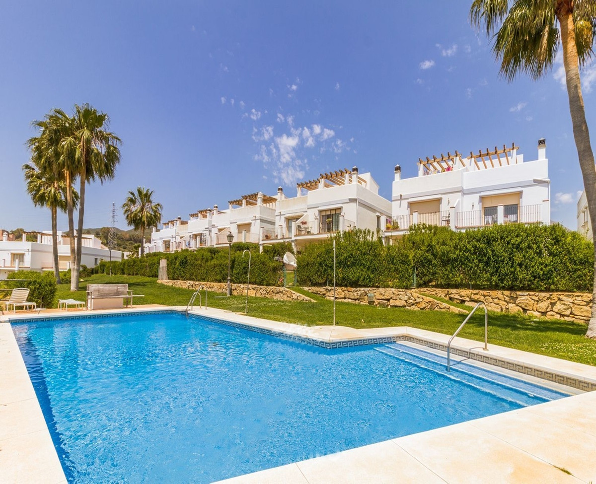 Beautiful townhouse in first golf line, Estepona Golf with spectacular views to the sea and the golf Spain