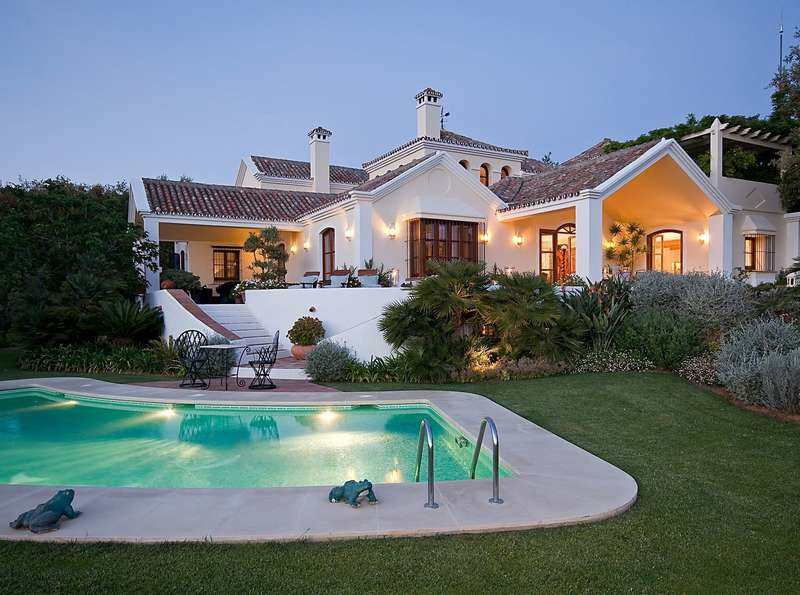 5 Bedrooms Villa For Sale - La Zagaleta