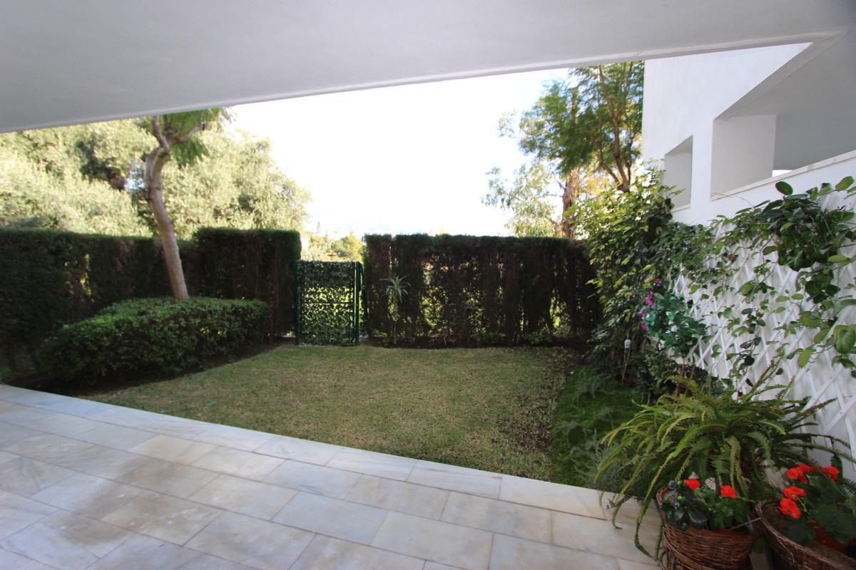 Apartamento Planta Baja en Venta en Guadalmina Baja – R3542464