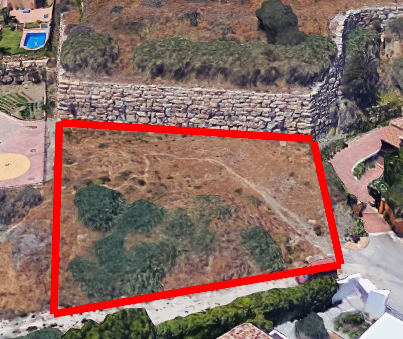Building plot in Puerto Los Almendros, Benahavis with Construction permit The project to build a vil, Spain