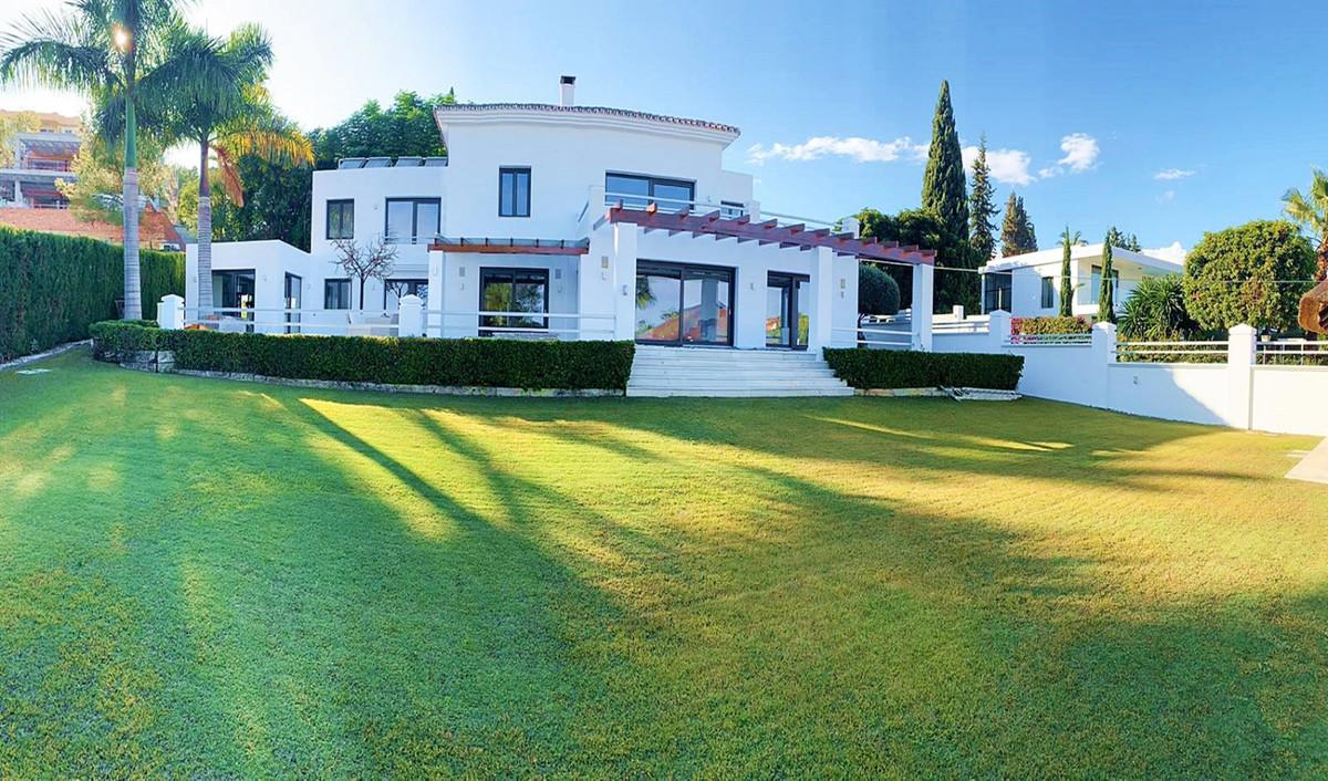 Marbella Banus Villa – Chalet en Venta en Nueva Andalucía – R3535615
