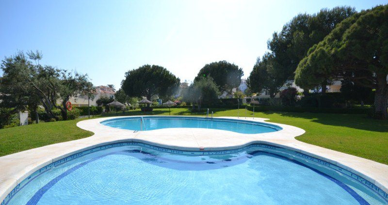 Villa con 5 Dormitorios en Venta Arroyo de la Miel