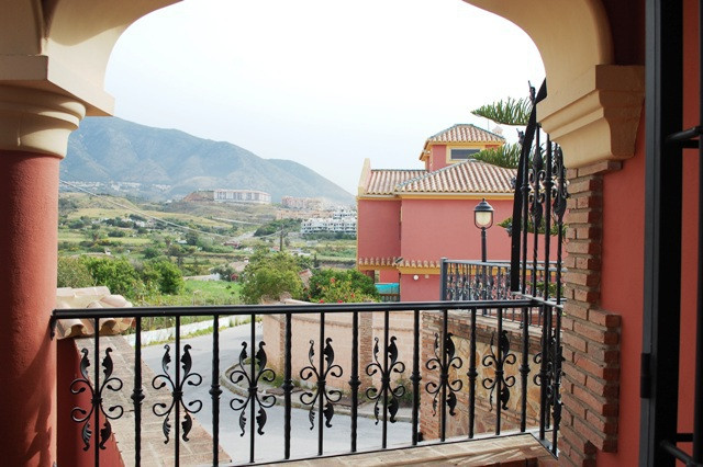 Villa  Independiente en venta   en Mijas