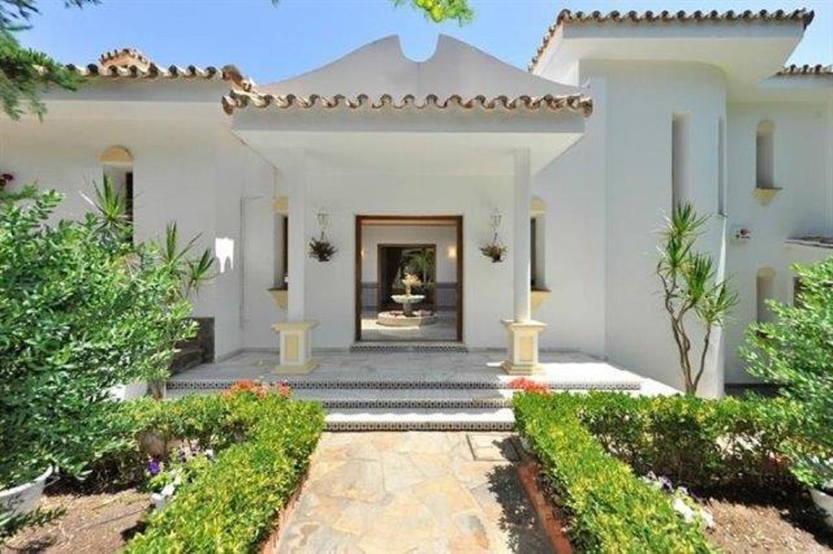 Detached Villa, Valtocado, Costa del Sol. 4 Bedrooms, 4 Bathrooms, Built 0 m².  Setting : Town, Vill,Spain