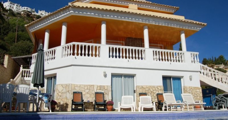 An Amazing Modern villa, Owner keen to Sale Original Price 1,7000.00 euro Reduced 899.000 euro.    A,Spain