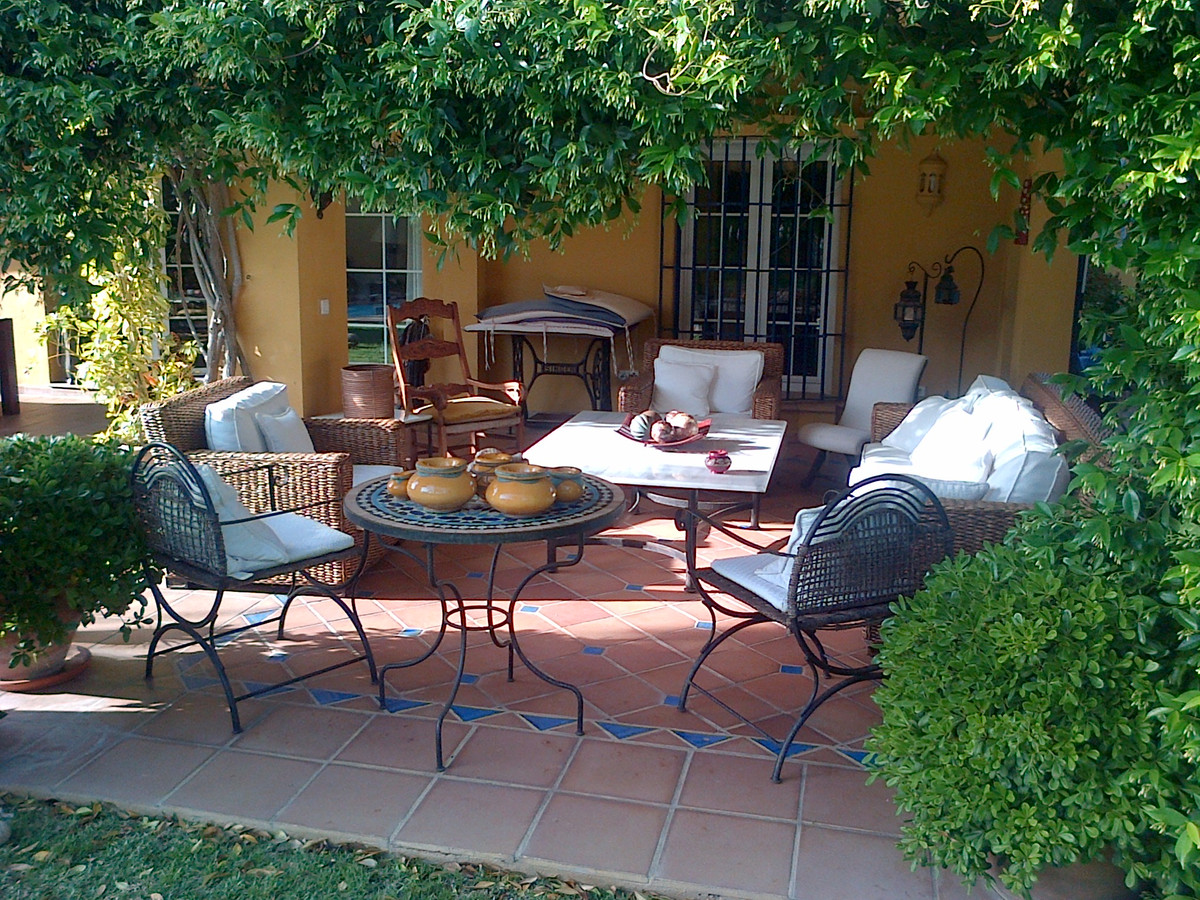 5 bed Villa for sale in Marbesa