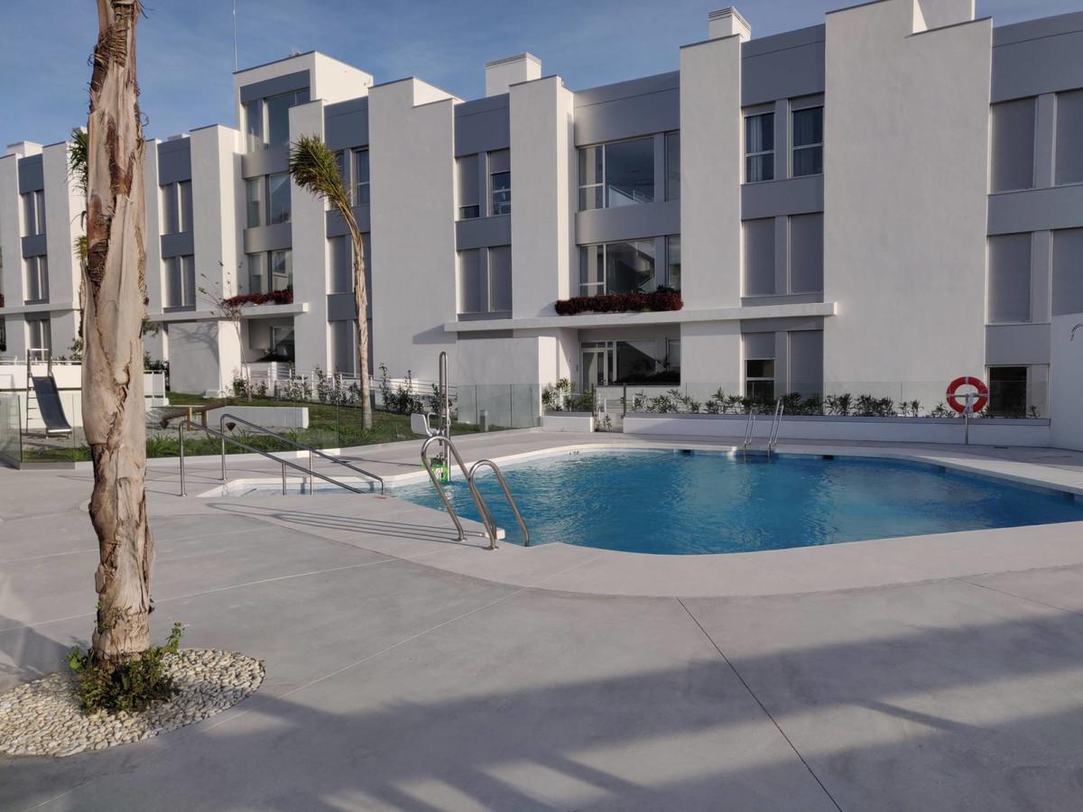 Apartamento Planta Baja en Venta en Cancelada – R3617858