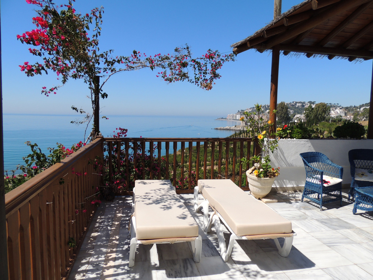 Big penthouse (170m2) on first line beach, located at 3 km from center town in a private urbanizatio,Spain