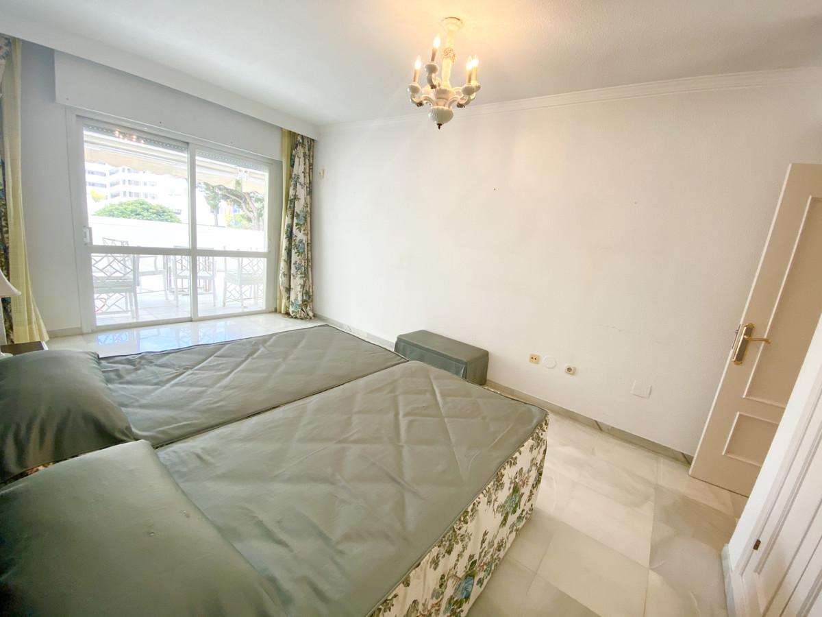 Apartamento Planta Media en Venta en Marbella – R3654929