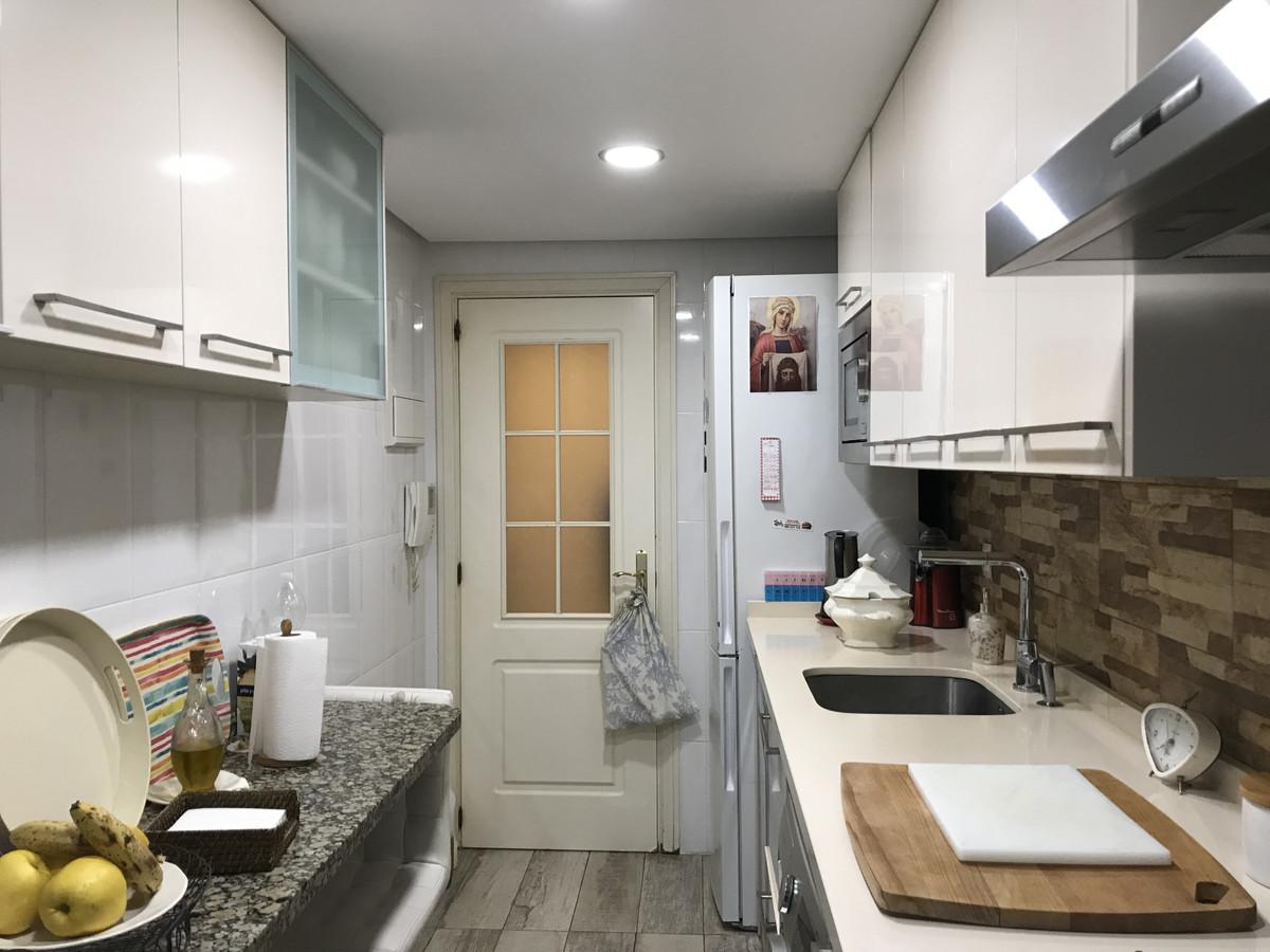 Apartamento Planta Media en Venta en Marbella – R3617798