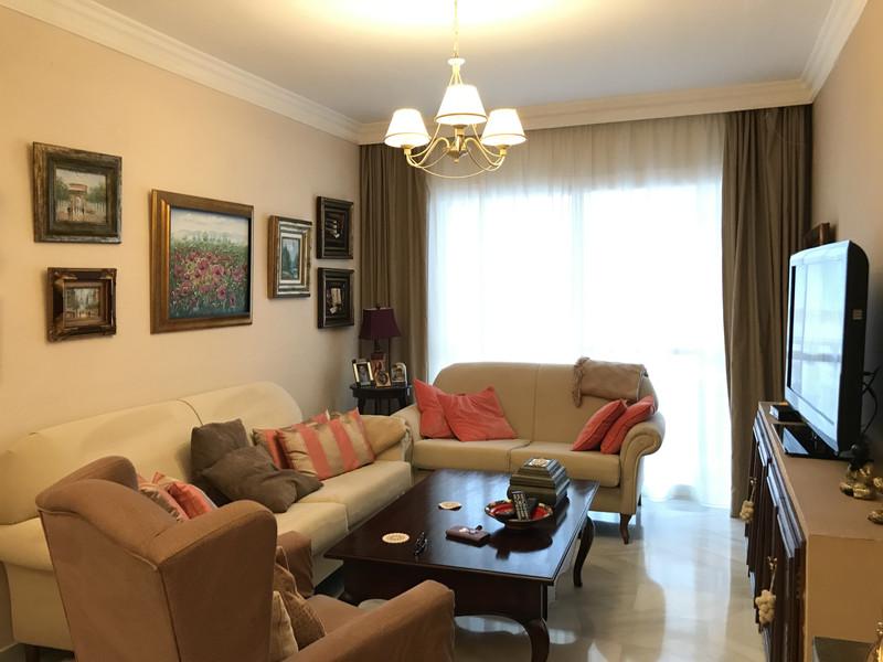 Marbella Banus Apartamento Planta Media en venta en Marbella – R3617798