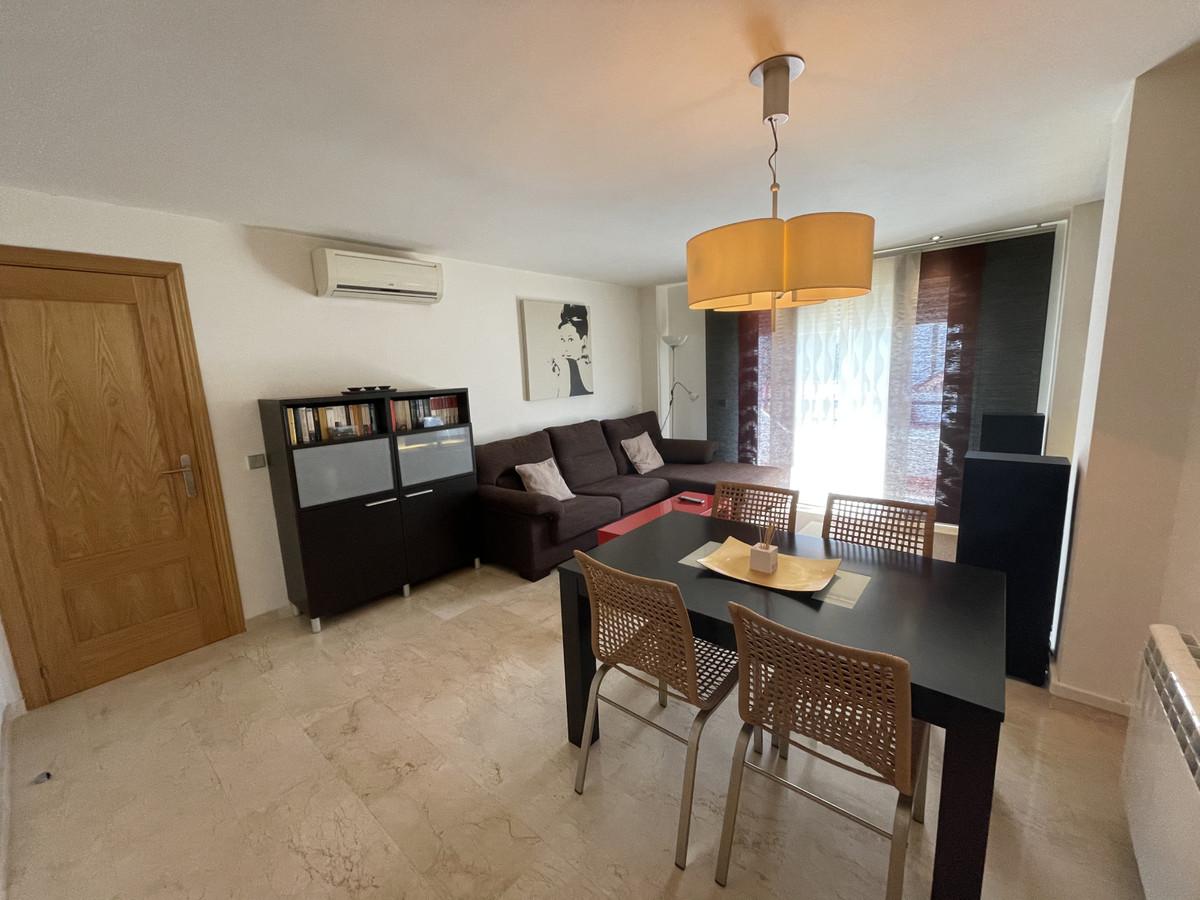 Marbella Banus Apartamento en Venta en Benahavís – R3842308