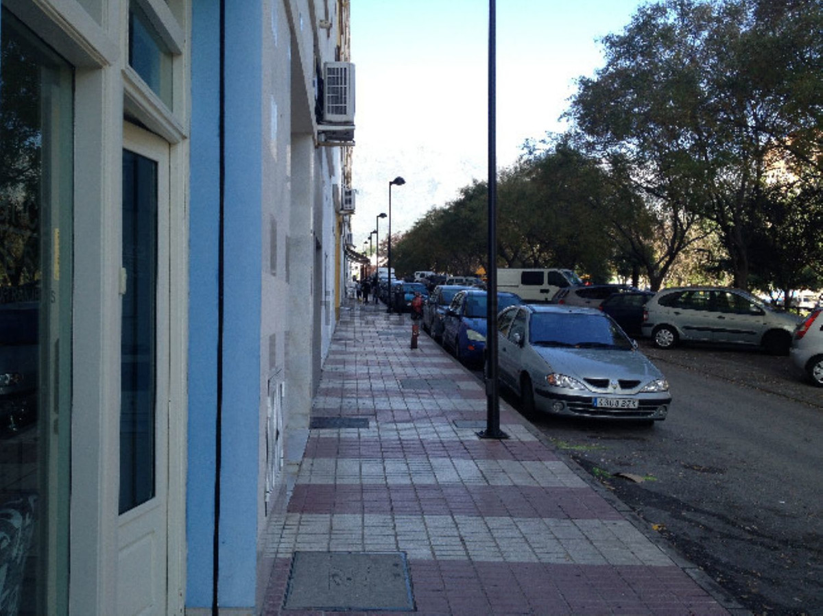 Shop, Marbella, Costa del Sol. Built 40 m².  Setting : Town, Commercial Area, Close To Shops. Orient, Spain