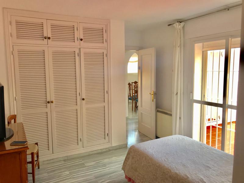 Adosada en venta en Marbella – R3185446