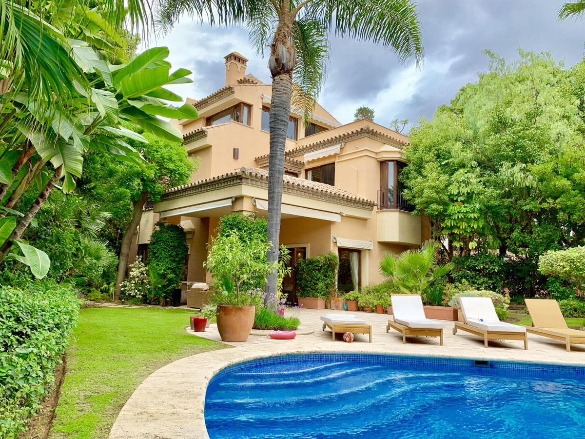 5 bedroom villa for sale the golden mile