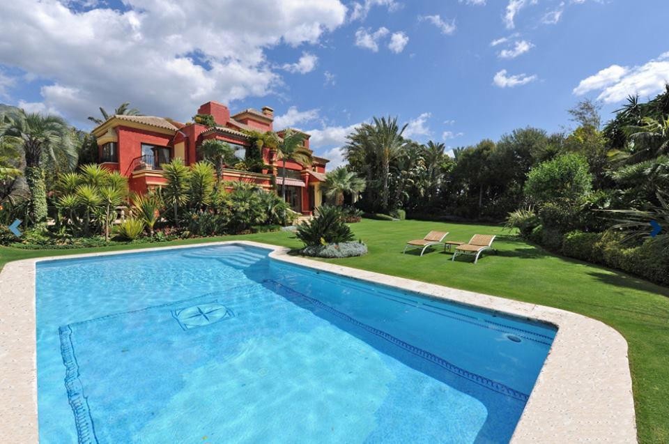 Villa  Detached 													for sale  																			 in The Golden Mile