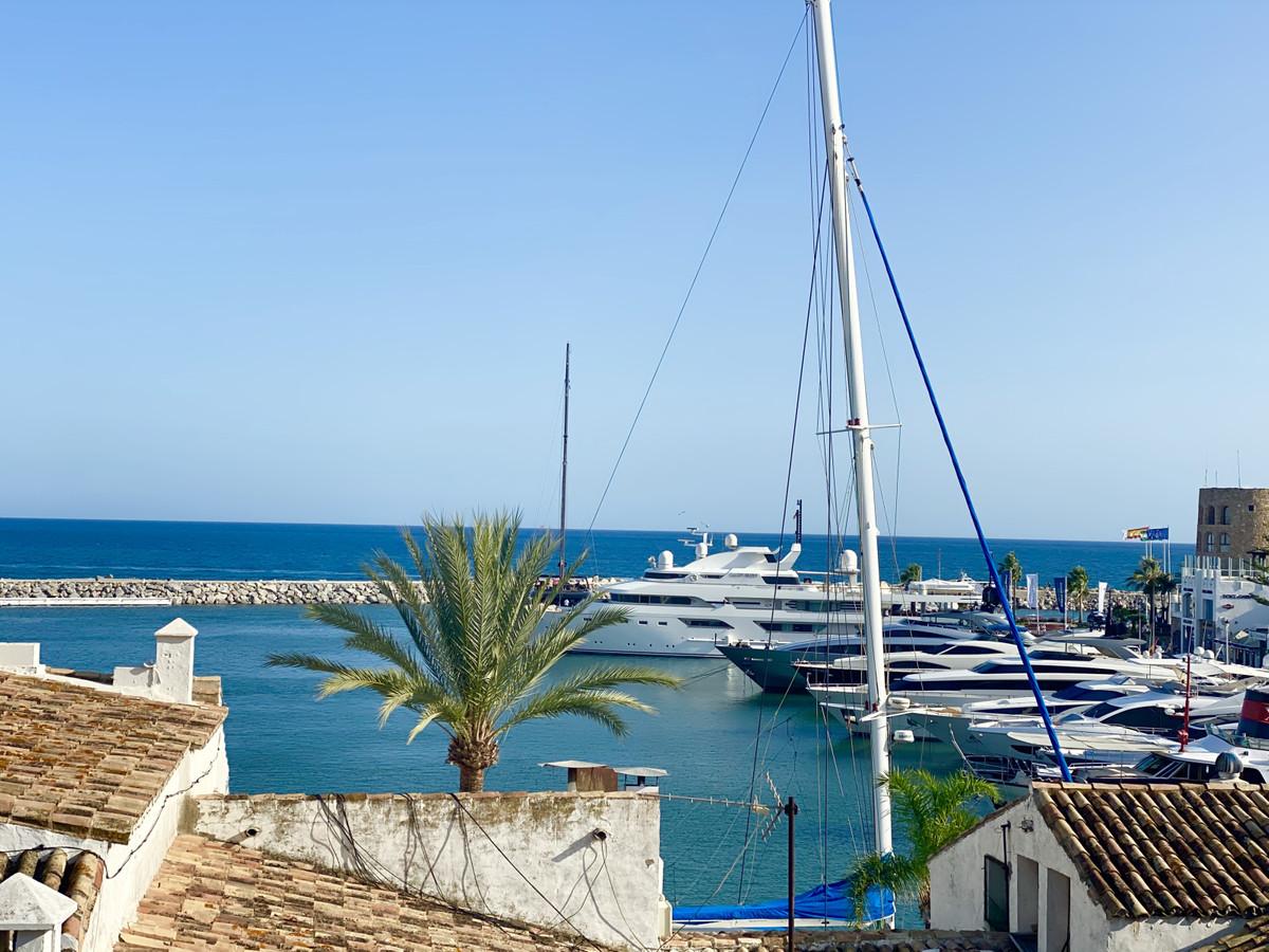 Marbella Banus Apartamento Planta Media en venta en Puerto Banús – R3447928