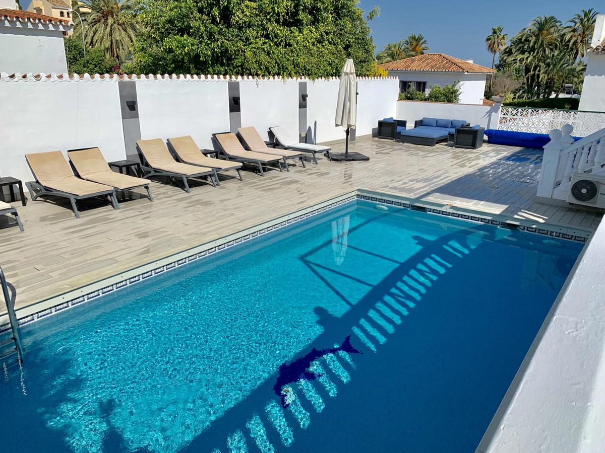 Villa – Chalet en Venta en Nueva Andalucía – R3454312