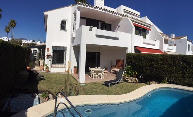 Townhouse, San Pedro de Alcantara, Costa del Sol. 3 Bedrooms, 2 Bathrooms, Built 210 m², Terrace 100,Spain