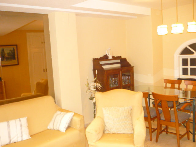 Middle Floor Apartment, Marbella, Costa del Sol. 2 Bedrooms, 2 Bathrooms, Built 80 m². COMMUNAL POOL, Spain