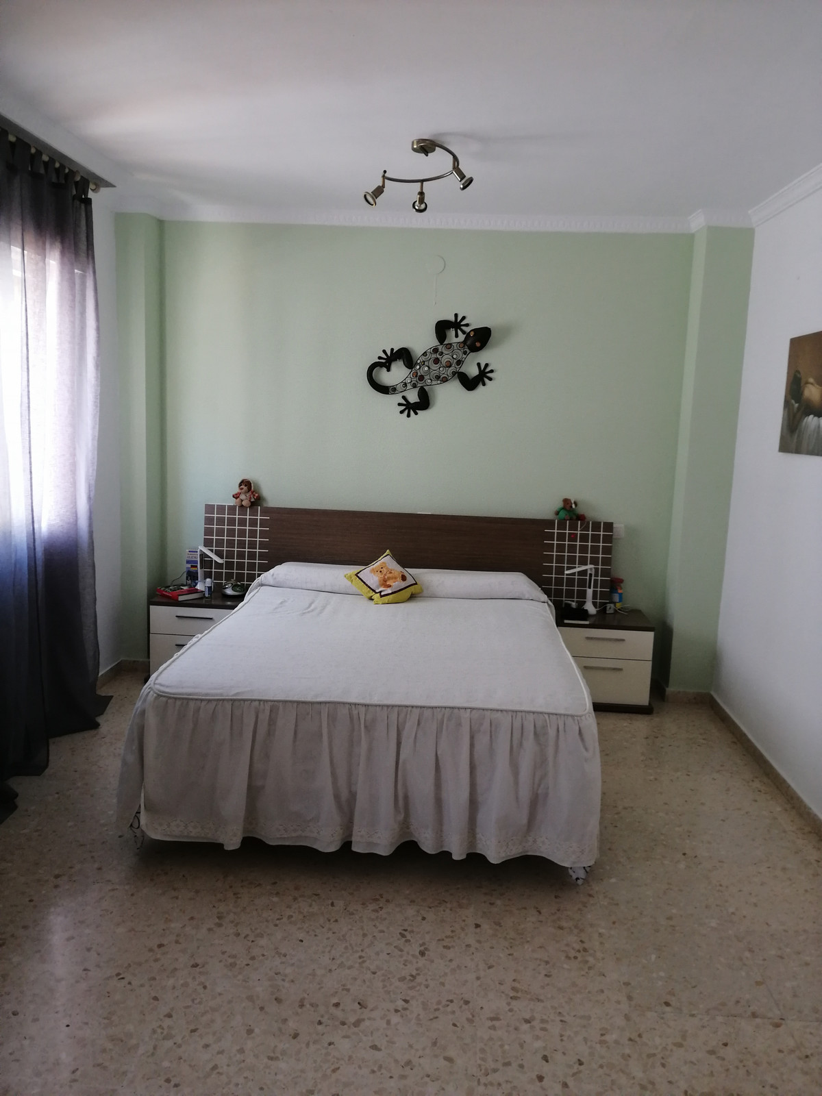 Townhouse with large private garage, close to Mijas village.