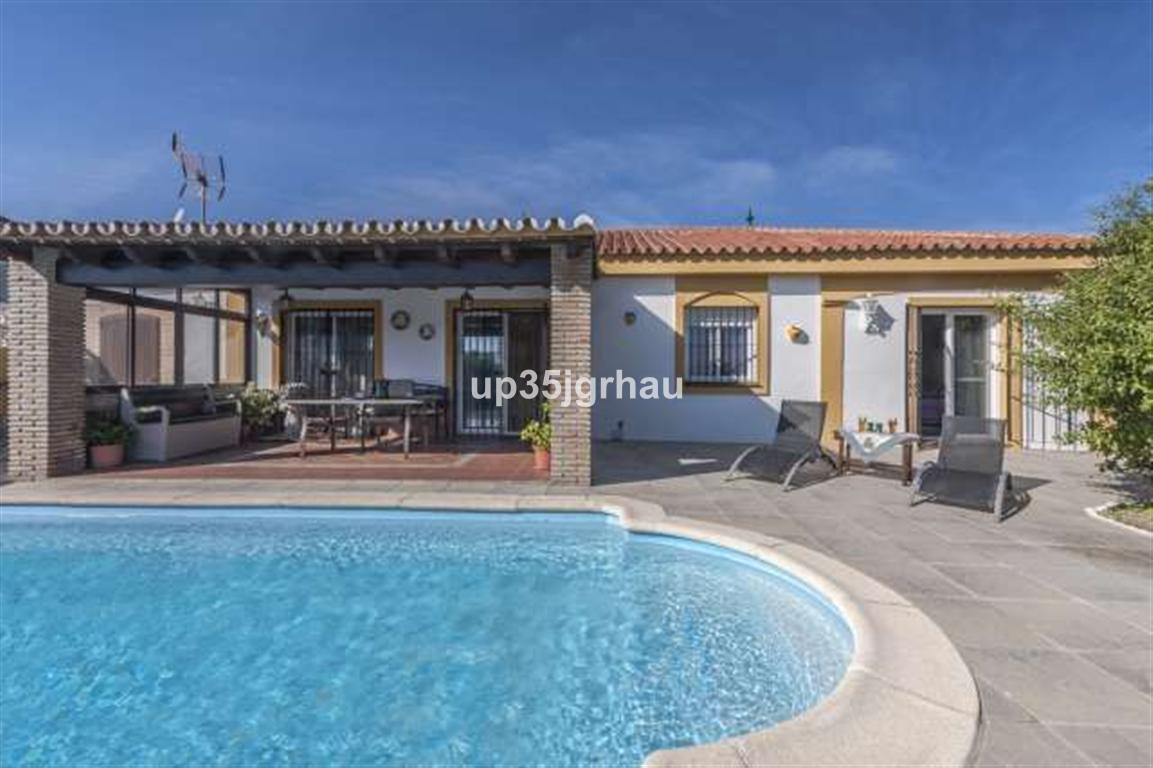 House in Estepona R2726162 5