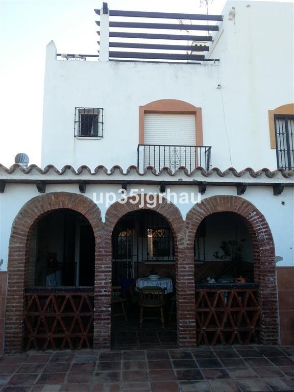 Townhouse, Estepona, Costa del Sol. 3 Bedrooms, 3 Bathrooms, Built 200 m², Terrace 50 m², Garden/Plo, Spain