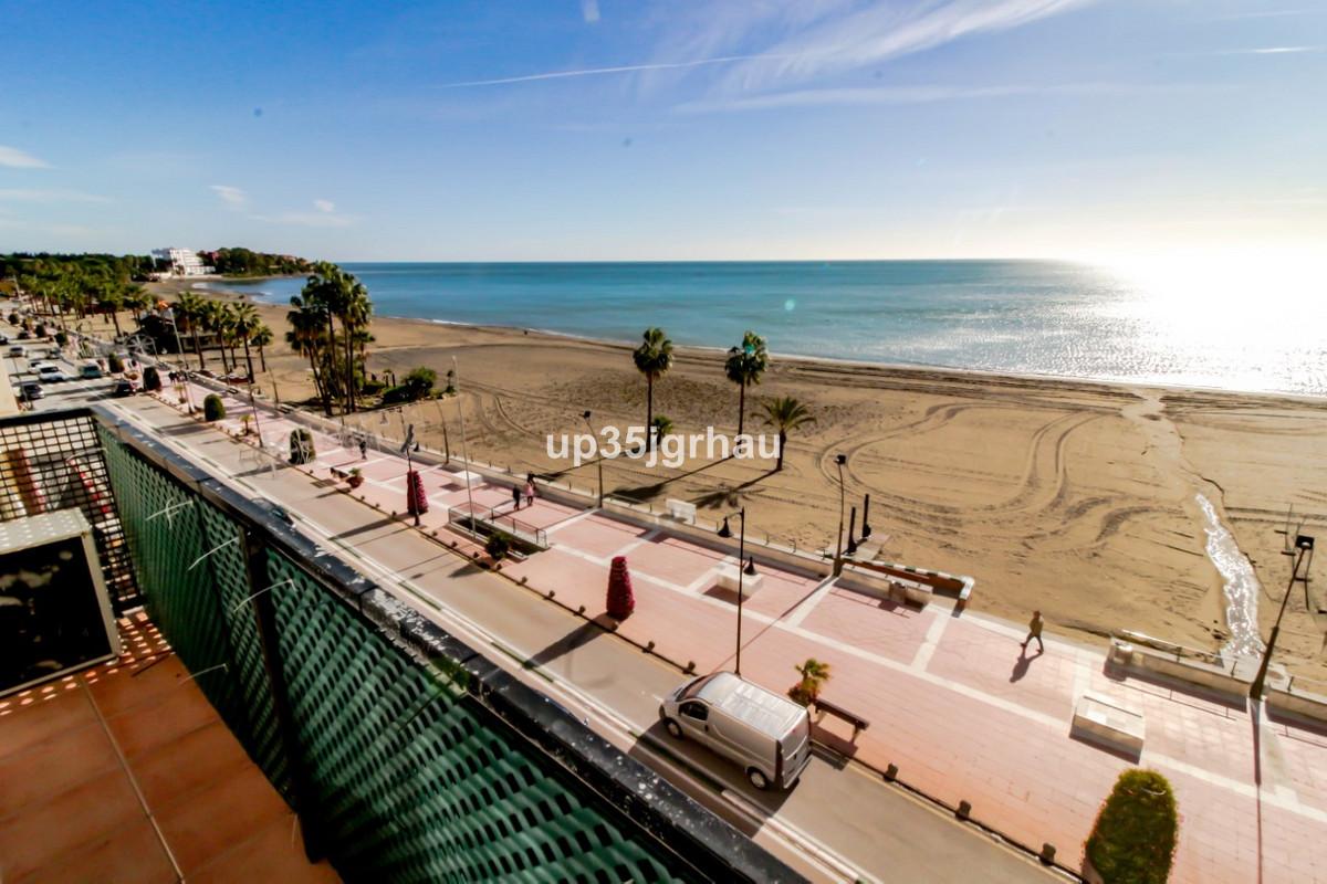 Middle Floor Apartment, Estepona, Costa del Sol. 2 Bedrooms, 1 Bathroom, Built 100 m², Terrace 10 m²,Spain