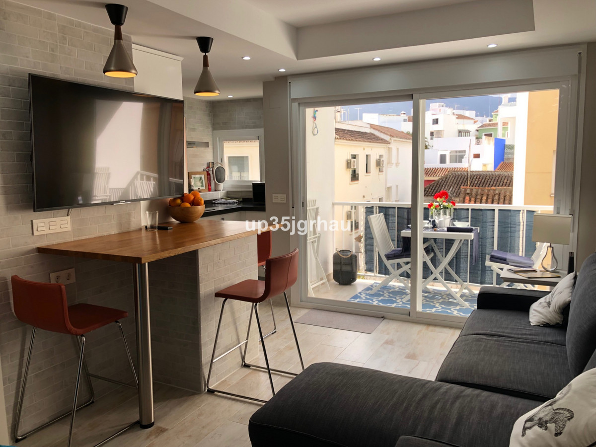 Apartment  Middle Floor for rent  in Estepona