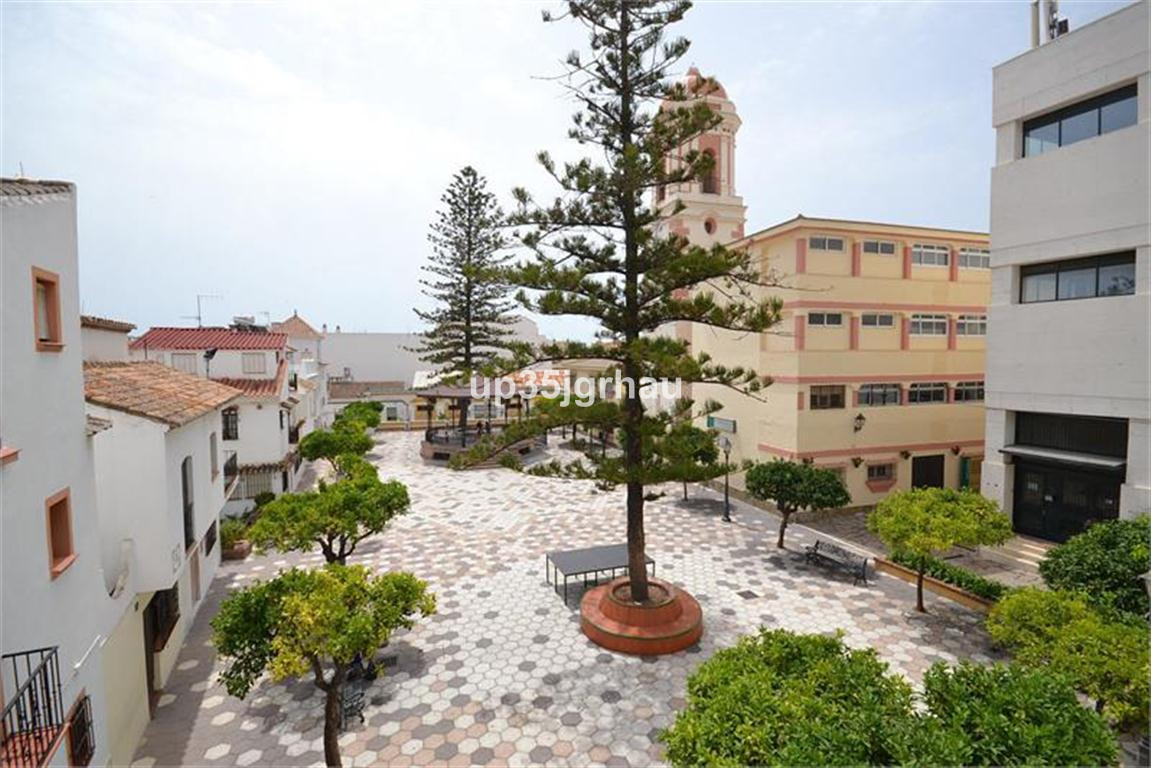 Townhouse in the old town of Estepona of approximately 170 m2 on 3 levels. The property  also enjoys,Spain