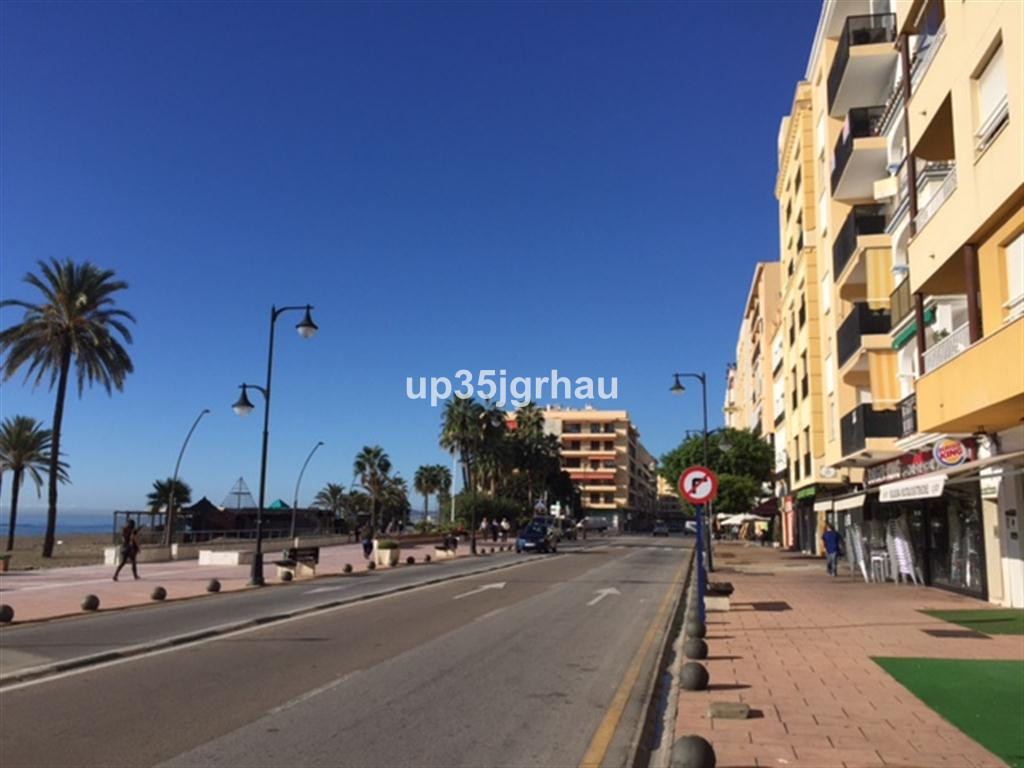 Great studio in Estepona only a few meters from the beach. Very close to shops, restaurants. You can, Spain