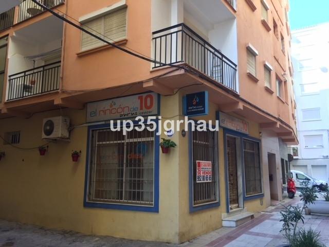 Comercial Negocio 2 Dormitorio(s) en Venta Estepona