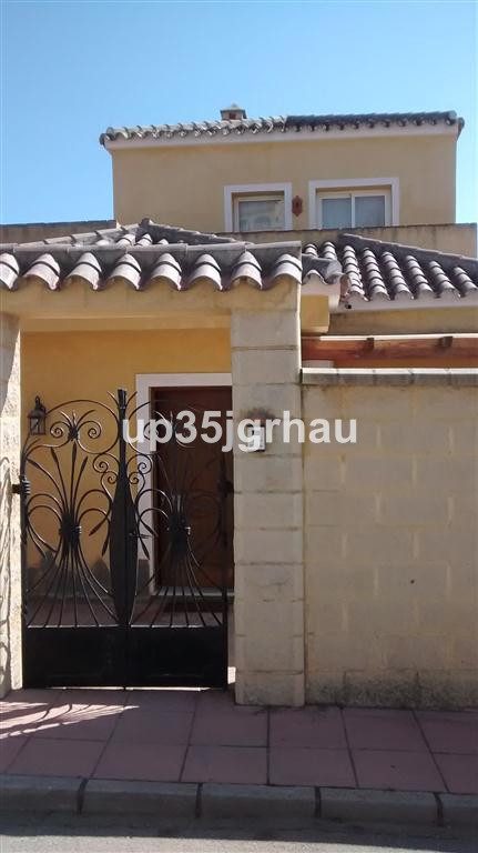 5 Bedroom Villa for sale Estepona