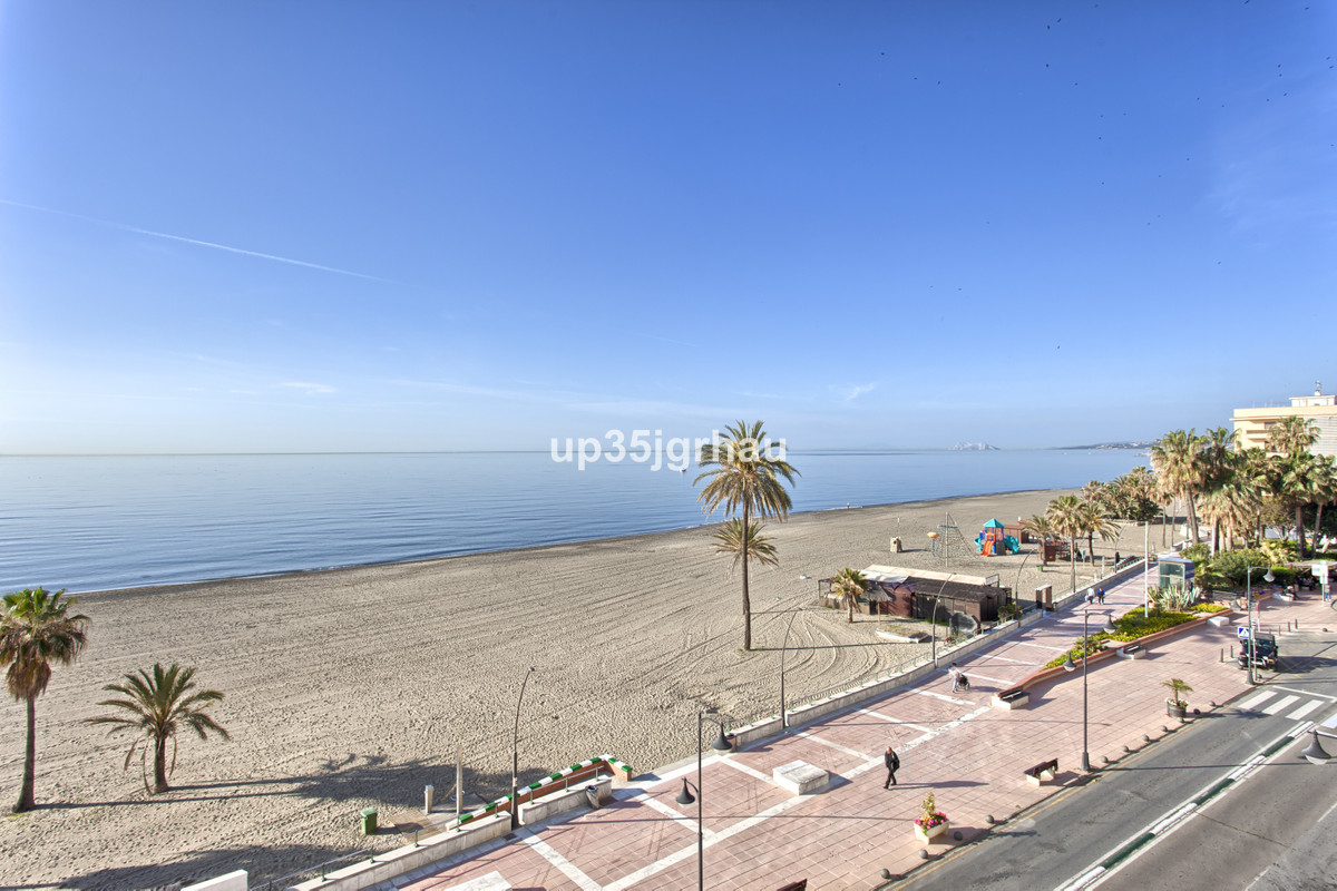 R2527043: Apartment for sale in Estepona