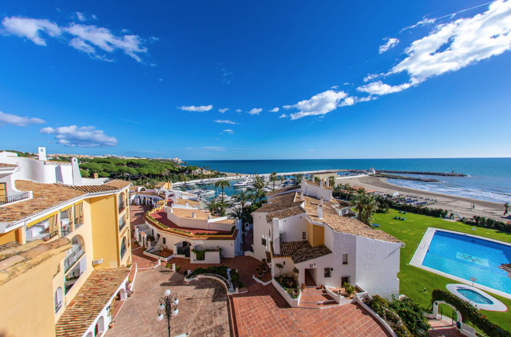 This flat is at Calle Cabopino, 135, 29604, Marbella, Malaga, is in the district of Cabopino, on flo, Spain