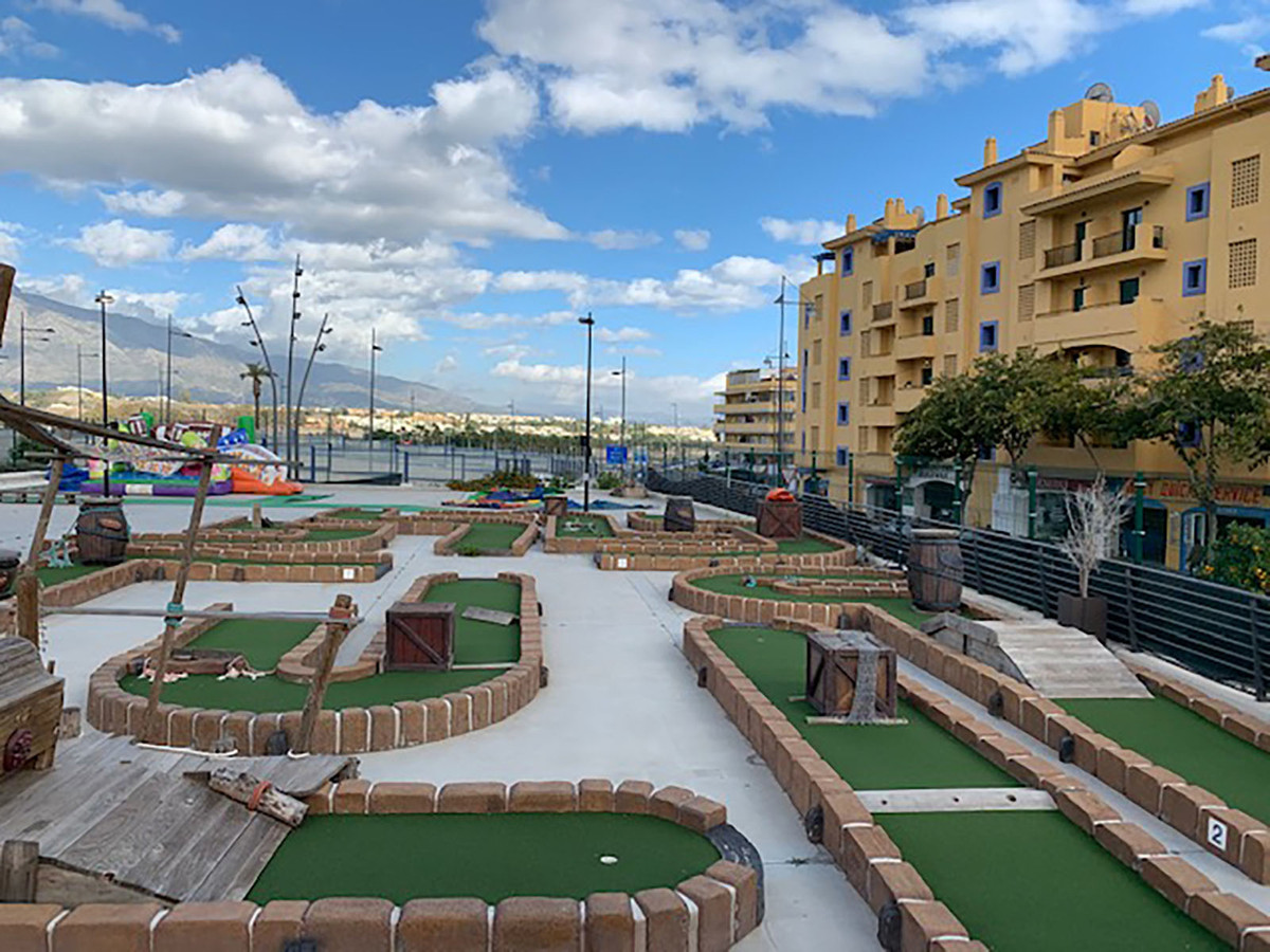 This is a fantastic opportunity to purchase a buisness on The Boulevard in San Pedro de Alcantara.  ,Spain