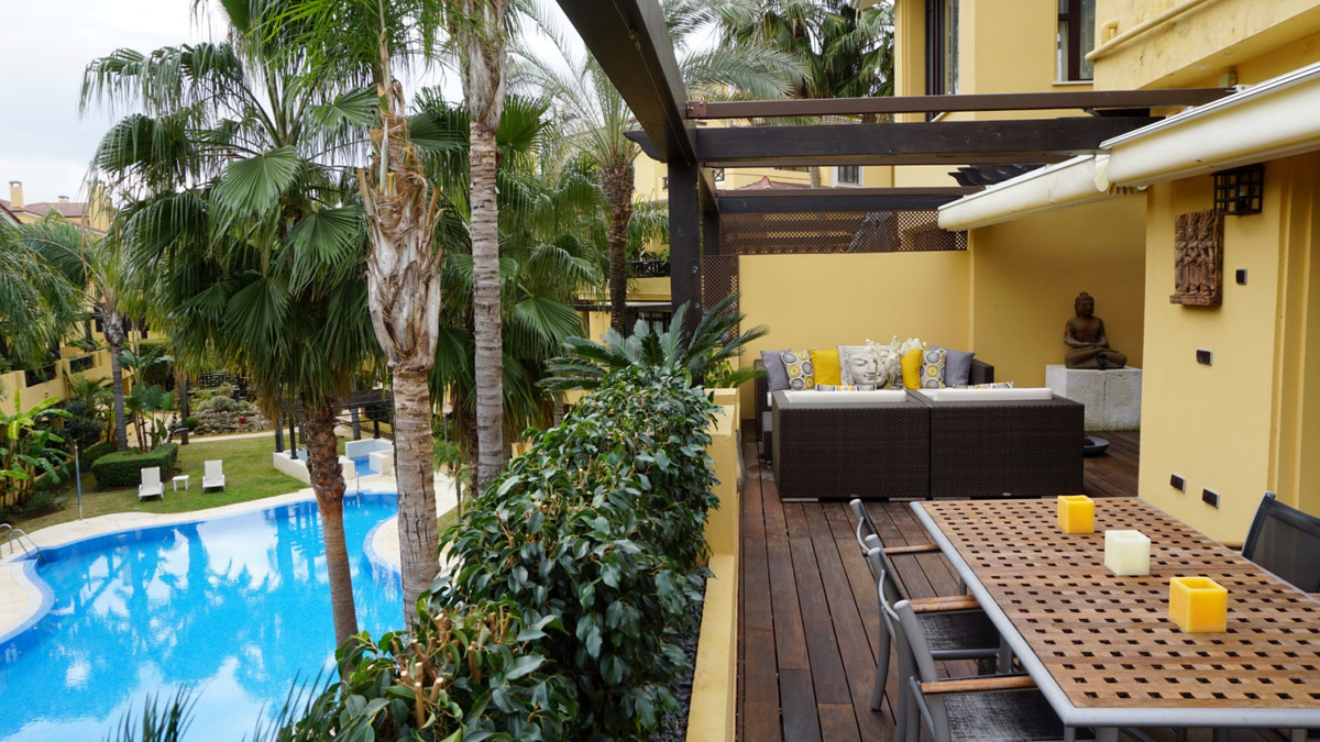 "This is a beautiful first floor apartment sitauted in the ""Bahia de Banus"" development, wi, Spain"