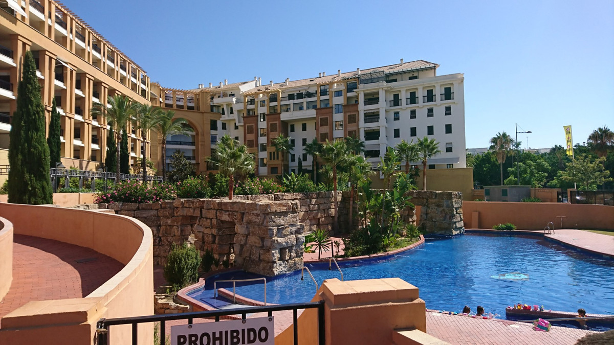 Situated in the heart of San Pedro and close to the boulevard is this two bedroom, two bathroom apar,Spain