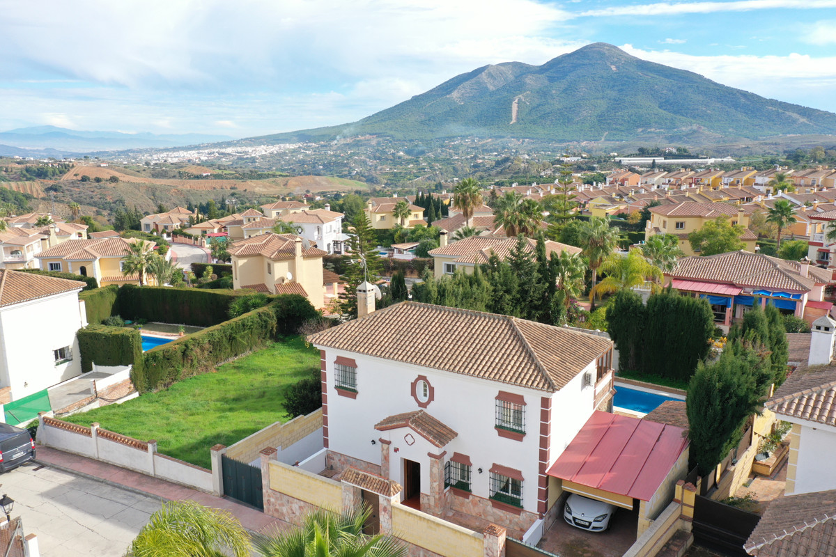 Ref:R3752062 Villa - Detached For Sale in Coín